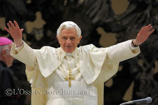 The events of the holy father Benedict XVI live on the web