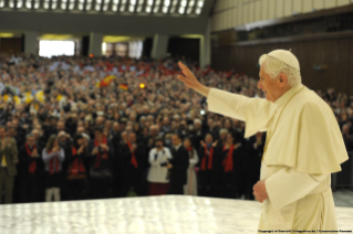 Pope Benedict sends first-ever Papal Tweet